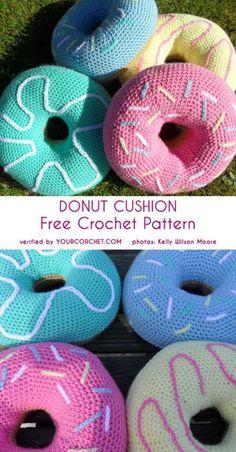 Crochet Beanie Design Donut Cushion Free Crochet Pattern - All the best free crochet patterns. Bag Crochet, Crochet Food, Crochet Beanie, Crochet Gifts, Cute Crochet, Blanket Crochet, Crochet Granny, Crotchet, Crochet Cushion Pattern Free
