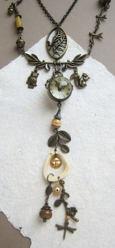 This woodland necklace I arranged from globe watch pendant (bronze clock with mineral magnifying glass), bone element, onyx stone, lampwork glass, vintage glass beads and lots of different elements of the forest theme - for creating a really Forestry Jewelry . So this Watch necklace is quite Functional Jewelry.  In this statement necklace simply can not go unnoticed - on a weekday and among friends in the day off.  Due the batteries are forbidden to ship to some countries - batteries not…