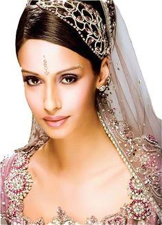 Beautiful Indian styled wedding hairstyle