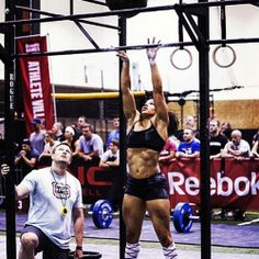 Meet Elisabeth Akinwale - crossfit athlete, trainer and mother. Elisabeth hopes to inspire others to live a healthy and balanced life. Crossfit Inspiration, Fitness Inspiration, Workout Inspiration, Boxe Fitness, Cross Training Workouts, Elite Fitness, Flexibility Workout, Muscle Girls, Crossfit Athletes