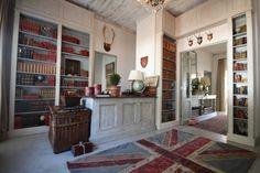 Abbey Guesthouse Photo Gallery, Abbey Guest House craighall park bed and breakfast accommodation near Rosebank and Sandton business centres. Union Jack Rug, Storage Shelves, Shelving, English Library, Furniture Arrangement, Bed And Breakfast, Home Renovation, Flooring, Interior Design