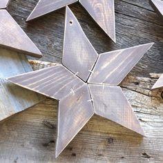 15 Holiday Woodworking Projects  via TheKimSixFix.com
