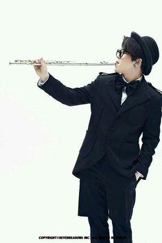 block b Taeil that's not how you play a flute, sir Block B Taeil, B Bomb, Kpop, Vixx, Super Junior, New Image, Monsta X, Got7, Actors
