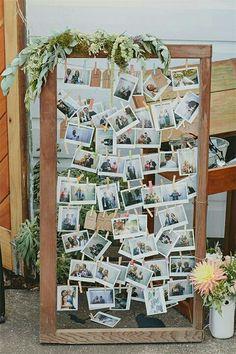 Idées de collage de photo et de dispositions pour la décoration murale Budget Collage Foto, Photo Collages, Wall Collage, Photo Collage Board, Family Picture Collages, Birthday Photo Collage, Heart Collage, Photo Boards, Polaroid Wedding