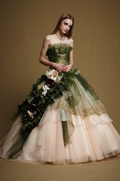 73684fe0b07ea ウェディングドレスを貸出しております。デザイン数1000点以上。大阪・東京(神宮前)・福岡のショップで試着も可能です。上質なウエディングドレスです。