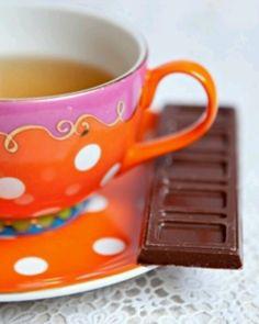 oililly tea with chocolate
