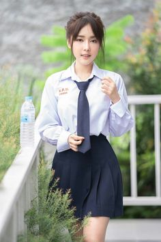 Technically, it was probably the Nyan cat song (because it School Girl Japan, School Girl Outfit, School Uniform Girls, Girls Uniforms, Girl Outfits, Pretty Asian Girl, Cute Asian Girls, Beautiful Asian Women, Cute Girls