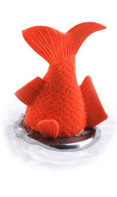 Stuck goldfish bath plug // soooo funny! #productdesign