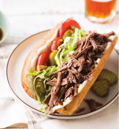 Spice things up at your next tailgate with Slow Cooker Beer-Braised Beef Po' Boys. Save leftover cooking liquid from the roast for a delicious dipping sauce. Meat Recipes, Slow Cooker Recipes, Crockpot Recipes, Cooking Recipes, Copycat Recipes, Cake Recipes, Slow Cooker Roast Beef, Best Slow Cooker, Paninis