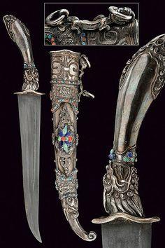 A beautiful silver mounted dagger, China, 19th century.