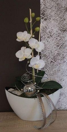 Previous Next Orchideengesteck, Gesteck in weiß in Möbel & Wohnen, Dekoration, Sonstige Phalaenopsis Orchid, Orchid Plants, Orchids, Orchid Flower Arrangements, Orchid Arrangements, Deco Floral, Arte Floral, Blue Lotus Flower, Flower Art