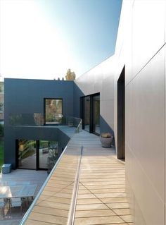 Sassuolo House by Enrico Lascone Architects