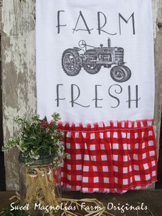 "Items similar to Flour Sack Kitchen Towel. Farmhouse Vintage Truck Tea Cottage Chic Country Style Red Ginghan Ruffle ""Farm Fresh"" on Etsy Diy Farmhouse Table, Farmhouse Chic, Vintage Farmhouse, Vintage Kitchen, Sweet Magnolia, Magnolia Farms, Red Cottage, Cottage Chic, Cottage Style"