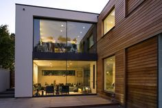 Exclusive Modern London House Blends Urbane Design With Playful Charm