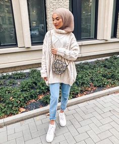 ZAFUL offers a wide selection of trendy fashion style women's clothing. Affordable prices on new tops, dresses, outerwear and more. Modern Hijab Fashion, Street Hijab Fashion, Muslim Fashion, Modest Fashion, Fashion Outfits, Style Fashion, Modest Wear, Modest Dresses, Modest Outfits