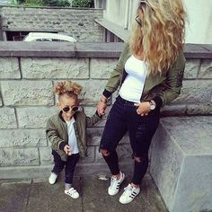 and baby fashion Pictures Bilder - Mom Daughter Matching Outfits, Mom And Son Outfits, Little Girl Outfits, Family Outfits, Young Mom Outfits, Mother Daughter Pictures, Mother Daughter Fashion, Mother Daughters, Mom Pictures