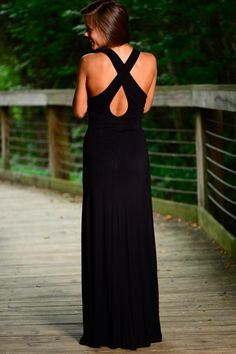 STUNNING! This maxi is absolutely gorgeous! The fit, color, and style makes this the trifecta! So easy to accessorize and a super flattering fit!