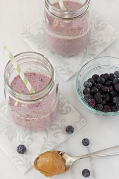 BLUEBERRY PEANUT BUTTER SMOOTHIE 1 cup plain greek yogurt 1 cup milk 1 cup ice cubes 1 cup frozen blueberries 2 tablespoons creamy peanut butter 2 tablespoons honey splash of vanilla extract