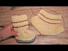 Great ways to make authentic Italian coffee and understand the Italian culture of espresso cappuccino and more! Crochet Baby Sandals, Knit Baby Booties, Booties Crochet, Knitted Baby, Knitting Videos, Baby Knitting Patterns, Doll Patterns, Baby Slippers, Knitted Slippers