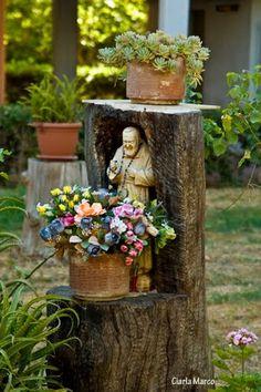 """Nicchia con Padre Pio """"Devozione popolare"""" in Nettuno, Italy"""