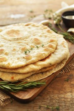 1-Bowl, 8-ingredient flatbread infused with fresh garlic and minced herbs. Pillowy, soft, tender, and perfect for wraps or dipping.