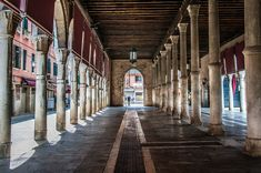All About Italy, Underground Cities, Best Travel Guides, Places In Italy, Walk Past, Lake Garda, Best Cities, Venice Italy, How To Take Photos