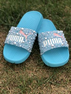 Customize your own sandals with a SprinkleMyFeet birthday party! Bedazzled Shoes, Bling Shoes, Puma Fenty Fur Slides, Bandanas, Swag Outfits For Girls, Teenager Outfits, Fluffy Slides, Cute Slides, Trendy Hoodies
