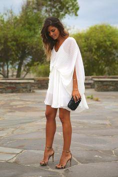 Little White Dress[[MORE]]Vestido/Dress: Choies (New), Sandalias/Sandals: Steve (Rebajas/Sales), Clutch: Zara (SS Pulsera/Bracelet: MuïcFashion By Trendy Taste Little White Dresses, White Outfits, Classy Outfits, White Fashion, Look Fashion, Trendy Taste, Mode Chic, Mode Inspiration, Kaftan