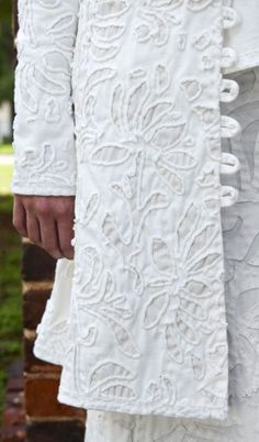 hand stitching alabama chanin - their clothes are very expensive and worth every penny . the work is fantastic! Beaded Embroidery, Hand Embroidery, Sewing Crafts, Sewing Projects, Ethno Style, Fabric Embellishment, Reverse Applique, Fabric Manipulation, Fashion Sewing