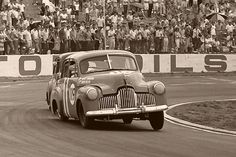 Holden's racing at Oran Park