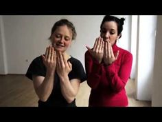 This video teaches a easier way to lift dancers through contact improv.