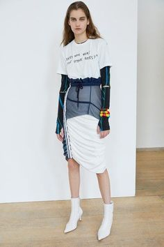 Preen by Thornton Bregazzi Resort 2019 Fashion Show : Preen by Thornton Bregazzi Resort 2019 London Collection - Vogue. The complete Preen by Thornton Bregazzi Resort 2019 fashion show now on Vogue Runway. Vogue Fashion, Fashion Week, Look Fashion, Runway Fashion, High Fashion, Fashion Outfits, Sport Fashion, Fashion Trends, Street Fashion