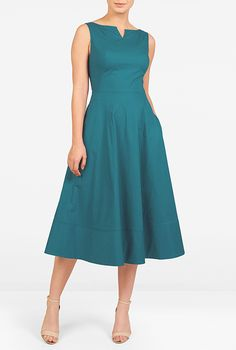 Stretch cotton poplin midi dress : Our stretch cotton poplin dress fits through the bodice before flaring into a flouncy skirt. Trapunto stitched side panels reinforce the styles classic appeal for Fall. Trendy Dresses, Cute Dresses, Beautiful Dresses, Casual Dresses, Maxi Dresses, Teal Dresses, Sleeveless Dresses, Dress Outfits, Fashion Dresses