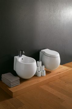 Supported Wc and bidet   Art. 8105 - 50 x 45 Wall-mounted WC 6 l  Art. 8106 - 50 x 45 Single-hole wall-mounted bidet    Technical a...