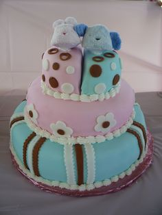 Twins Baby Shower - use teddy bears on top!