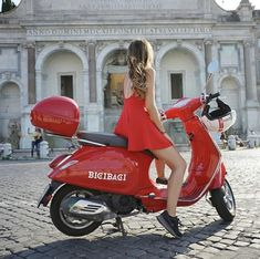 Piaggio Scooter, Scooter Motorcycle, Vespa Lambretta, Vespa Girl, Scooter Girl, Motor Scooters, Vespa Scooters, Red Vespa, Motos Vespa