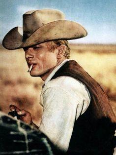 James Byron Dean, né le 8 février 1931 à Marion et mort le 30 septembre 1955 à Cholame, est un acteur américain.