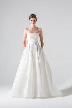 Anne Barge Spring 2016 - Blue Willow Bride | itakeyou.co.uk  #weddings #weddinggown #weddingdress