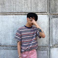 Colde~ his tattoos are so cool Fashion Poses, Boy Fashion, Mens Fashion, Taehyung, Boy Images, Boy Tattoos, Poses For Men, Aesthetic Boy, Ulzzang Boy