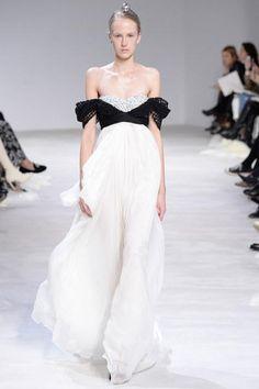 Giambattista Valli Spring 2016 Couture Collection