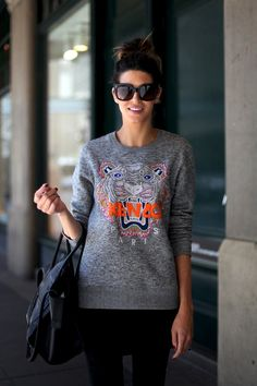 Sara perfecting casual cool in everyone's favourite Kenzo jumper and the deliciously roomy Celine boston tote.