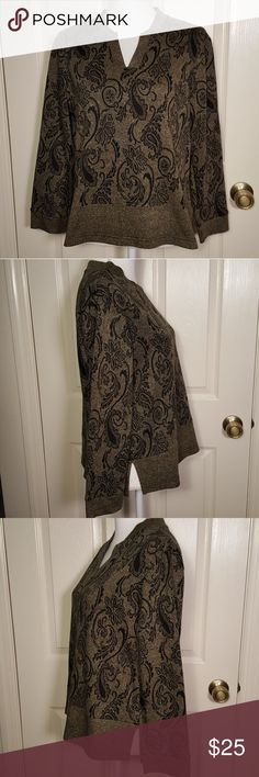 Coldwater Creek Paisley Sweatshirt Coldwater Creek Paisley Sweatshirt Great pre-loved condition! 88% Acrylic; 12% Polyester Made in Canada Size Petite Medium Coldwater Creek Tops Sweatshirts & Hoodies