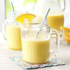 California Dream Smoothie Recipe -It's sunshine in a smoothie! This one's a true California treat, sweet and tangy from start to finish. Smoothie Drinks, Smoothie Recipes, Smoothies, Drink Recipes, California Food, Hollywood California, West Hollywood, California Recipe, New Recipes