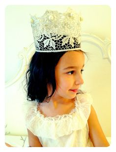 Vintage Lace Crowns - DIY