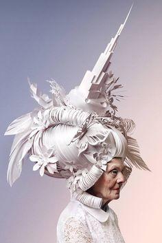 Les perruques baroques en papier par Asya Kozina