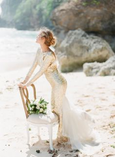 NADIA HUNG PHOTOGRAPHY has me wanting to dust off the passport and board a plane to exotic Bali with this stunning editorial! With PAPER DIAMONDS behind the styling, stationery and florals it shows you just how gorgeous a beach wedding can be without bein Gold Wedding Gowns, Wedding Sand, Beach Wedding Hair, Sparkle Wedding, Cheap Wedding Dress, Boho Wedding, Wedding Bride, Sequin Wedding, Beach Weddings