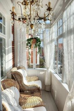 Check out this Charming And Inspiring Vintage Sunroom Decor Ideas The post Charming And Inspiring Vintage Sunroom Decor Ideas… appeared first on Aramis Decor .