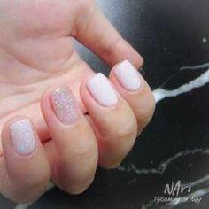 กากเพชรสีขาวๆ เงินๆ Star Nails, Color Street Nails, Glitter Nail Art, Little Star, White Nails, Beauty, White Nail Beds, White Nail, Beauty Illustration