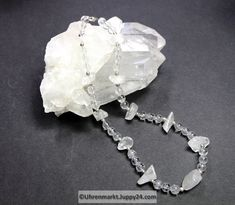 Bergkristallkette (Unikat) 47 cm lang in Mineralienschmuck auf Uhrenmarkt Juppy24 Bracelets, Silver, Jewelry, Minerals, Crystals, Clock, Necklaces, Jewlery, Bangles