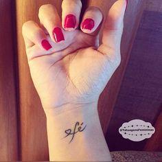 •{Mini Tattoo}• Enviada pela: @Andrefreym . ℐnspiração 〰 ℐnspiration . . #tattoo #tattoos #tatuagem #tatuaje #ink #tattooed #tattooer #tattooedgirls #fé #faith #TatuagensFemininas
